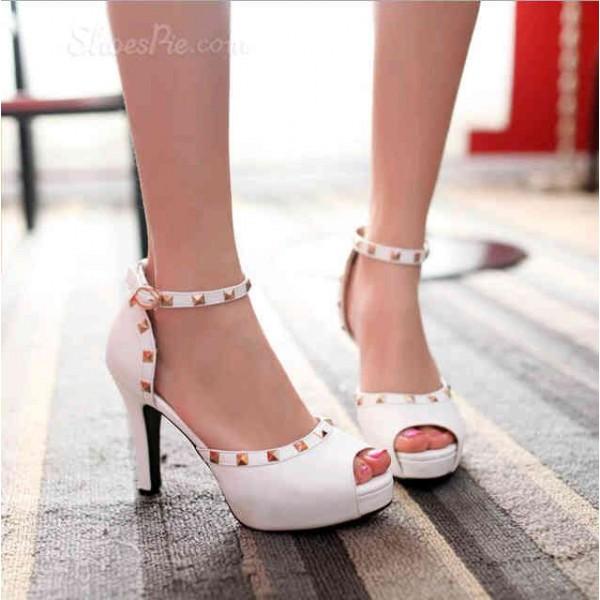 Obral Sepatu High Heels Wanita Banyak Model dan Berkualitas